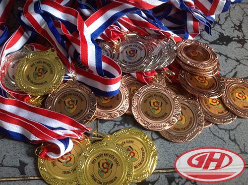 Huy chương kim loại mẫu 02